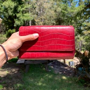 Deep red/maroon trifold faux patent leather wallet